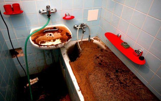 восле слива ванной собирается песок отличается особой… Посмотреть