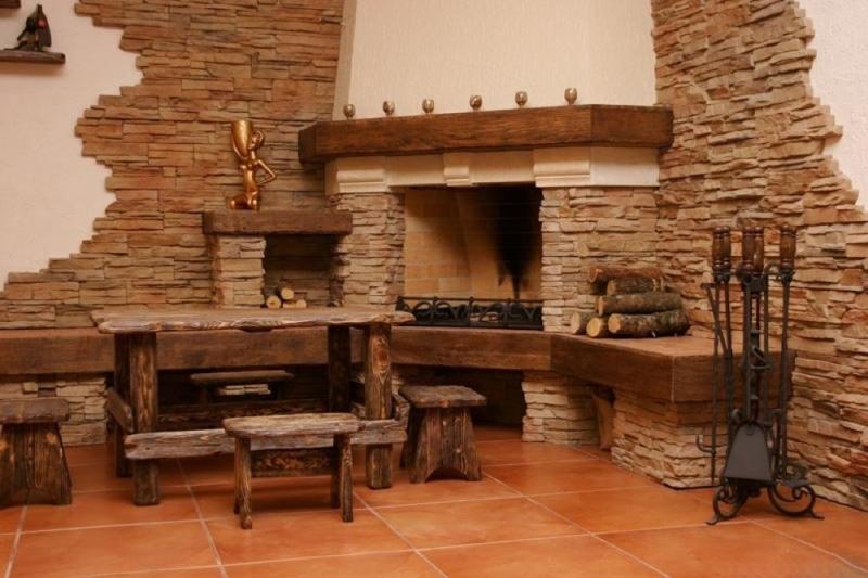 Фото дизайн в доме из дикого камня